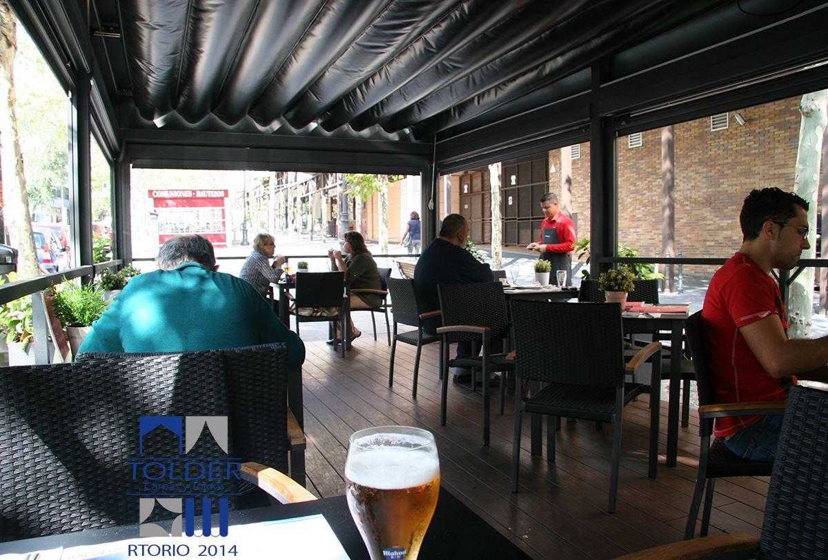 Pérgola Terraza Restaurante VIPS en Rivera de Curtidores, Madrid. fotos: RTORIO