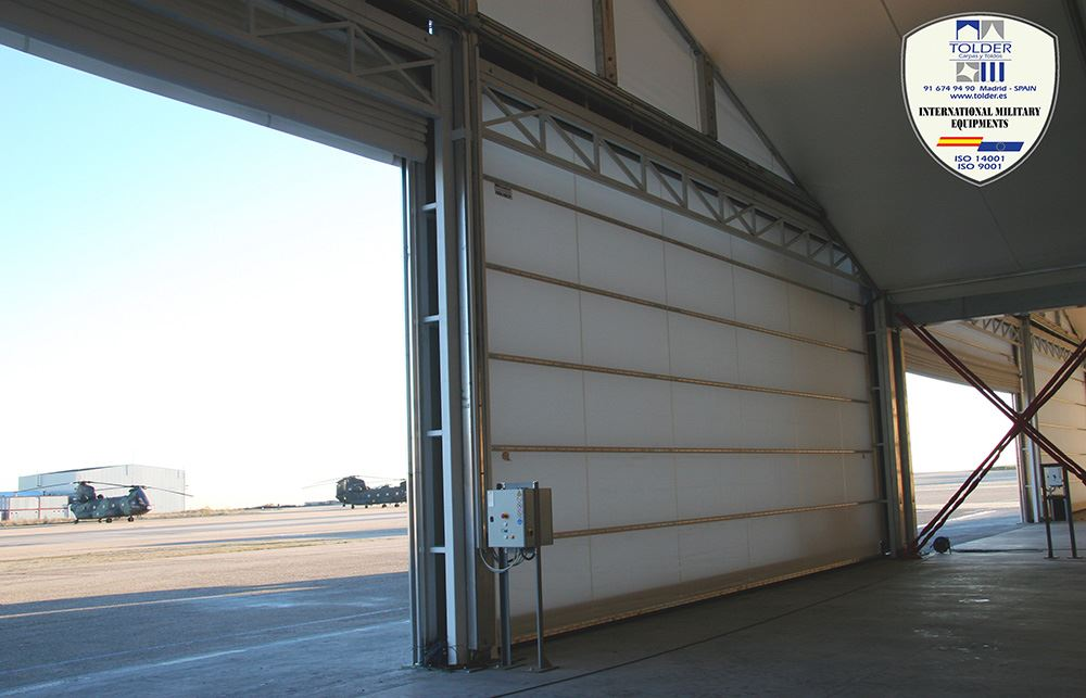 Hangar militar 3
