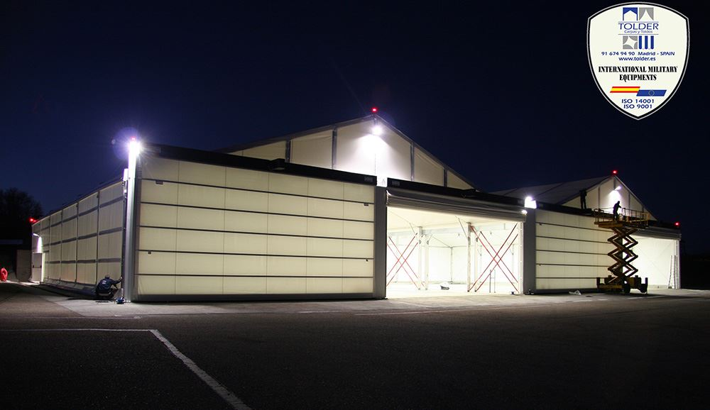 Hangar militar 5