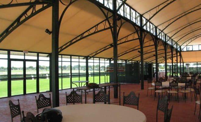 Carpa Club La Pineda, 2, Tolder