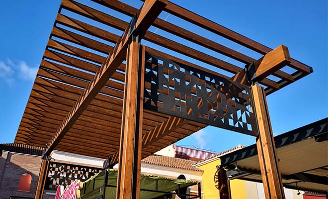 CC Plaza Mayor pérgola entrada 4, Tolder