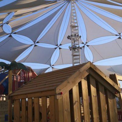 Velas y tensados CC Plaza Mayor parque de niños Tolder